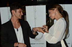 Belen Rodriguez e Stefano De Martino: un anello per Stefano come testimonial