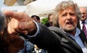 """Beppe Grillo contro Matteo Renzi: """"soffre di invidia penis"""""""