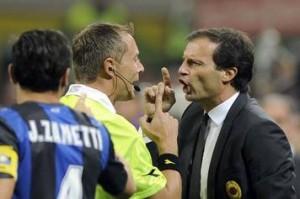 Allegri dopo la sconfitta nel derby attacca l'arbitro, Galliani lo conferma...