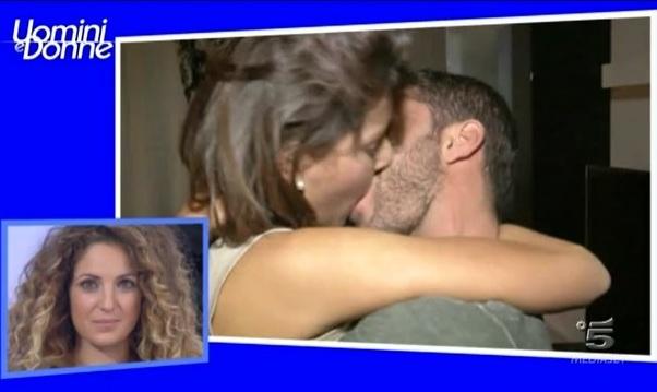 Uomini e Donne: foto del bacio tra Diego e Martina