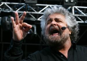 """Beppe Grillo dal suo blog: """"A Roma si stanno dividendo le poltrone"""""""