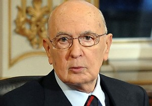 Rieletto Giorgio Napolitano: prima volta nella storia, contestazioni a Roma