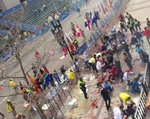 Maratona di Boston, due esplosioni all'arrivo: almeno 3 morti, oltre 140 feriti