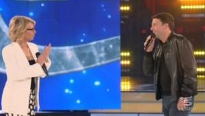 Matteo Renzi interviene ad 'Amici 12', la De Filippi lo difende [discorso]