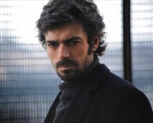 """Luca Argentero e il mistero della foto rubata da """"Cha Cha Cha"""", censurata dal web"""