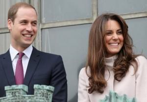Royal baby, è nato e pesa 3,8 kg: un maschio per William e Kate