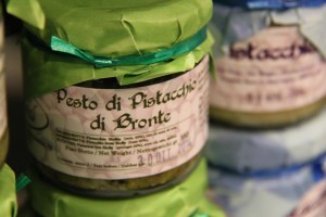 Catania si colora di verde pistacchio