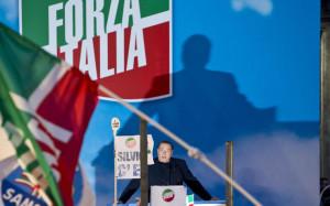 """Decadenza Silvio Berlusconi, il Senato ha deciso: """"non è più Senatore"""""""