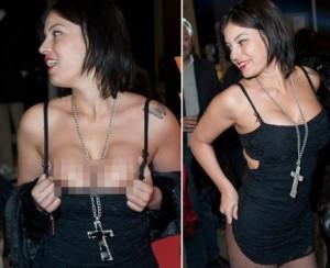 Sara Tommasi torna al nudo in strada, già finito il periodo di redenzione?