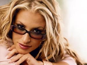 Anastacia torna a sei anni di distanza con 'Resurrection'