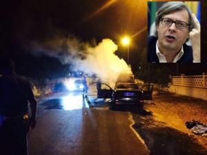 Disavventura per Sgarbi, la sua auto va a fuoco, illeso