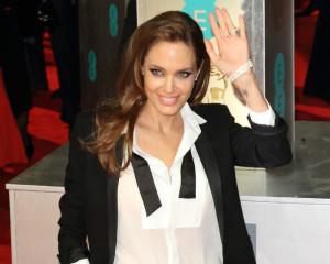 """Angelina Jolie e il suo """"Unbroken"""": """"Una storia di speranza"""""""