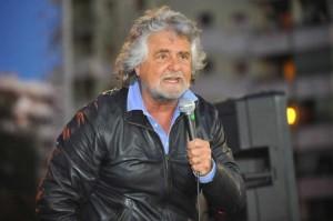 Beppe Grillo annuncia: contro il ddl guerriglia democratica