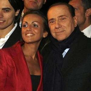 """La Pascale smentisce la lite con Berlusconi, """"Mai fuggita da Arcore"""""""