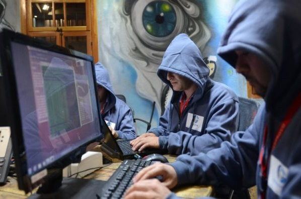 Hacker russi rubano 1,2 miliardi username e password