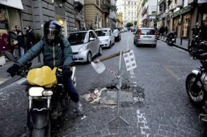 """Inghilterra: """"Napoli pericolosa"""", Napoli: """"Londra molto di più"""""""
