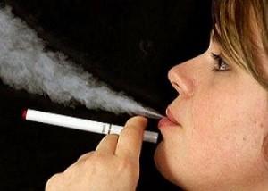 Sigarette elettroniche più salubri di quelle normali