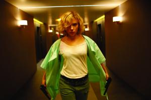 """Besson ci spiega l'evoluzione con Scarlett Johansson in """"Lucy"""""""