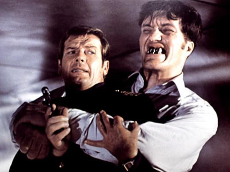 """Scomparso Richard Kiel, il """"denti d'acciaio"""" della saga di 007"""