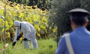 Marche: spara e uccide due ex dipendenti armati di piccozza
