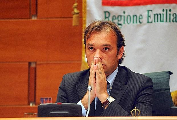 Matteo Richetti indagato per peculato, si ritira dalle Primarie Pd