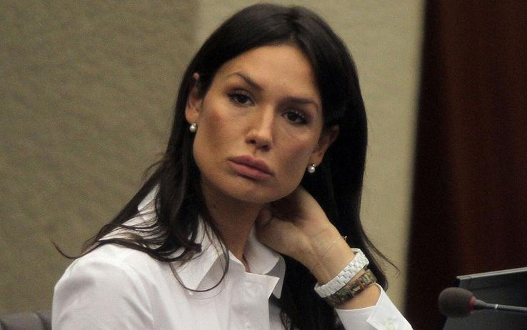 Nicole Minetti: di nuovo igienista dentale, cerca studio a Roma