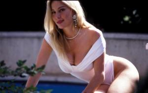 Moana: vent'anni fa la misteriosa morte della pornodiva