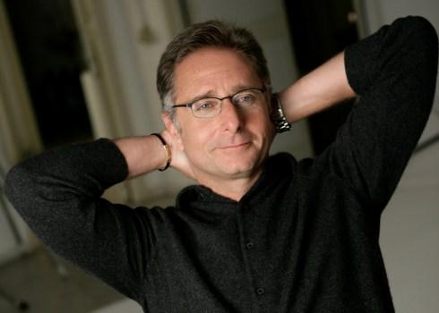 """Paolo Bonolis a Radio 2: """"A 16 anni provai l'Lsd, prima e unica volta"""""""