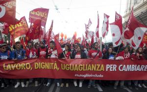 Cgil a Roma: un milione in piazza contro la politica economica di Renzi