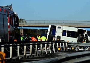 Drammatico incidente sulla A1 alle porte di Roma: 6 morti e 8 feriti
