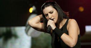 Laura Pausini: le uccidono il cane, lo sfogo su Facebook