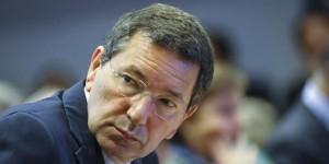 """Tor Sapienza, Marino contestato promette """"decoro e accoglienza"""""""