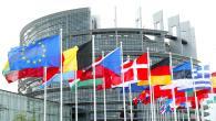 """Grillo a Bruxelles: """"Anche economisti sono per uscita dall'Euro"""""""