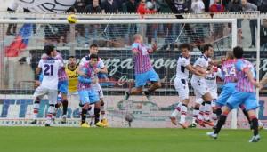 Serie B: Catania pari spettacolo, Carpi primo corsaro a Bari