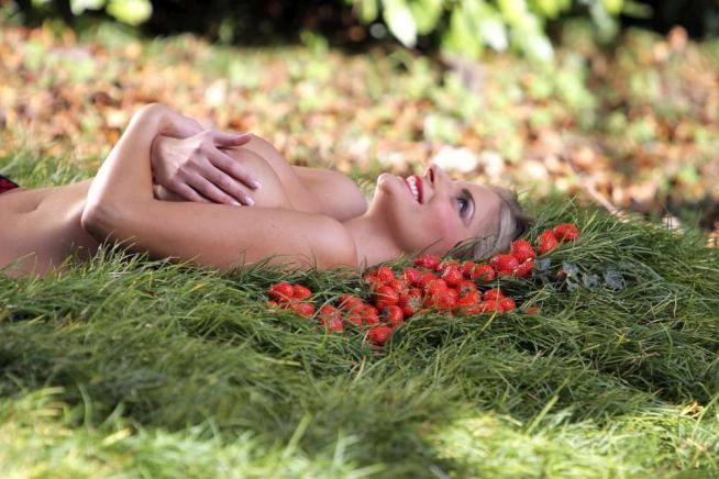 Francesca Cipriani calendario 2015 foto nuda