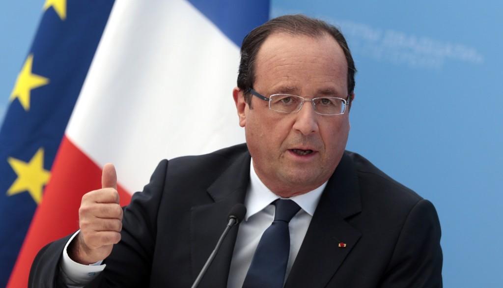"""Crisi ucraina, Hollande: """"Ultima chance per la pace, altrimenti guerra"""""""