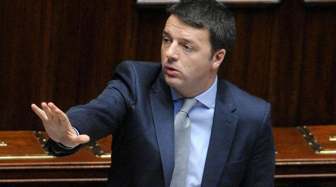 """M5S: """"Dimissioni di tutte le opposizioni"""", Renzi: """"Un errore fermarsi"""""""