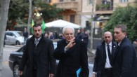 Presidente Mattarella viaggia su volo di linea, applausi per lui