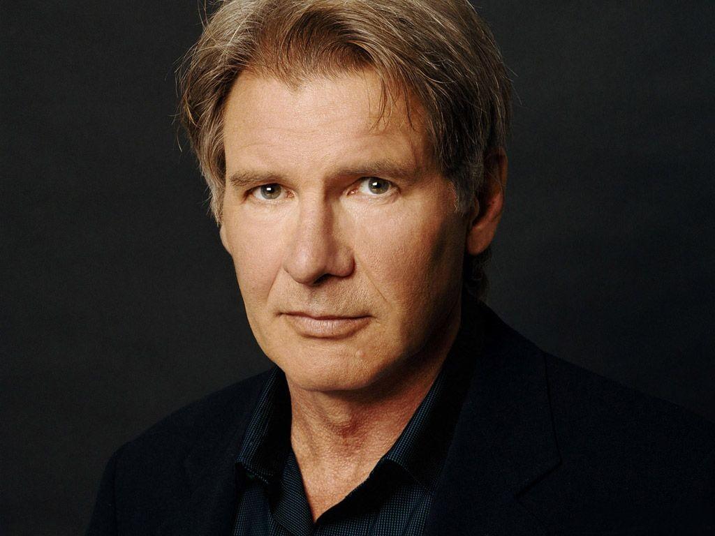 Paura per l'attore Harrison Ford: si è schiantato con un aereo d'epoca