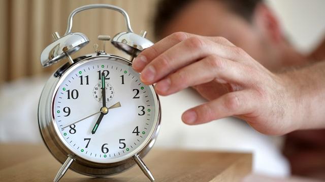 Ora legale: aumentano gli infarti nei lunedì dopo il cambio d'orario