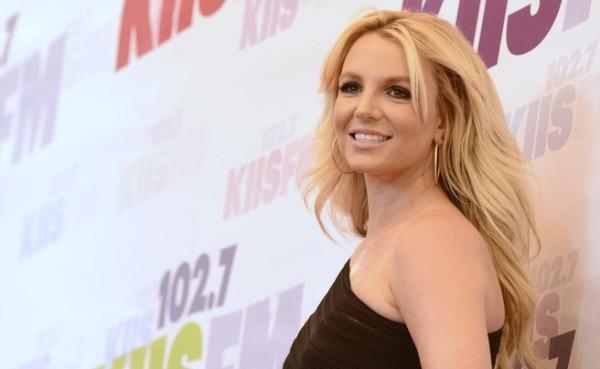 """Un fan chiama """"grassona"""" Britney Spears, lei reagisce così..."""