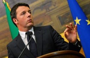"""Renzi ai circoli Pd: """"In ballo la nostra dignità, non solo la legge elettorale"""""""
