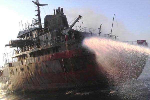 Nave turca bombardata al largo delle coste libiche