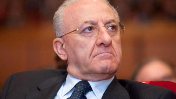 Caso De Luca: prefetto di Napoli notifica sospensione da governatore