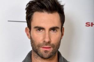 Maroon 5: il cantante Adam Levine nudo nel nuovo videoclip