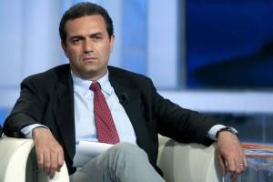 Napoli, De Magistris ancora in carica: tribunale accoglie ricorso