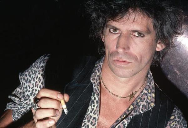 """Keith Richards dei Rolling Stones: """"Mi faccio una canna ogni mattina"""""""