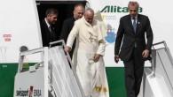 """Papa in ritorno dal Paraguay: """"Classe media sempre più piccola"""""""