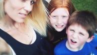"""Bambino di 5 anni sopravvive a un incidente, telefona al papà: """"Aiuto la mamma è morta"""""""