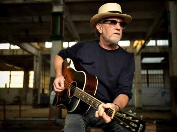 """Francesco De Gregori canta Bob Dylan, a ottobre arriva """"Amore e furto"""""""